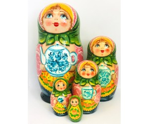 1096 - Matryoshka Russian Nesting Dolls Tea Time
