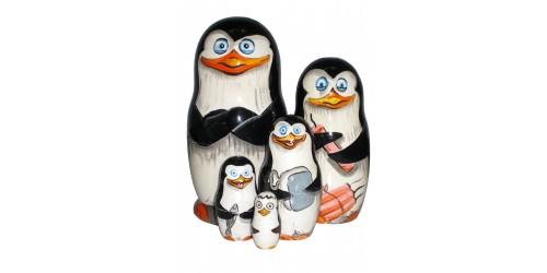520 - Matriochka Poupées Russes Pingouins de Madagascar