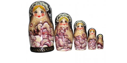 584 - Matriochka  Poupées Russes