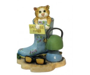 Glorious Mud - Comic and Curious Cats Figurine