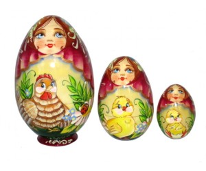 251 - Matryoshka Eggs Hen Russian Nesting Dolls