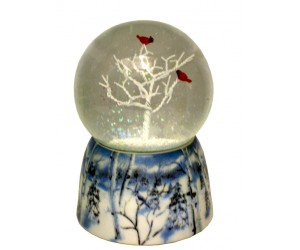 Cardinals  in  Tree Musical Snowglobe